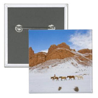 Horse Drive Through the Snow 2 15 Cm Square Badge