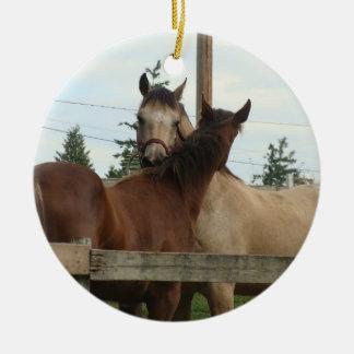 Horse Grooming Round Ceramic Decoration