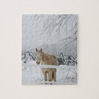 horse puzzle winter scenery