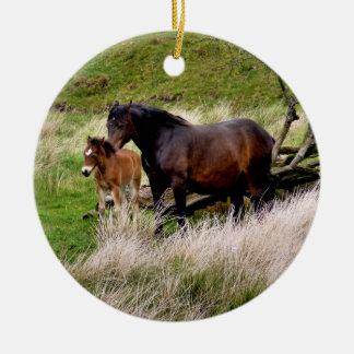 HORSES ROUND CERAMIC DECORATION