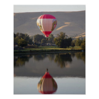 Hot air balloon over the Yakima River Poster