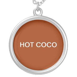 HOT COCO ROUND PENDANT NECKLACE