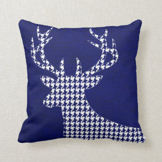Houndstooth Deer Silhouette on Burlap | navy Cushion