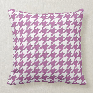 Houndstooth design in bodacious and white cushion