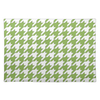 houndstooth greenery and white placemat