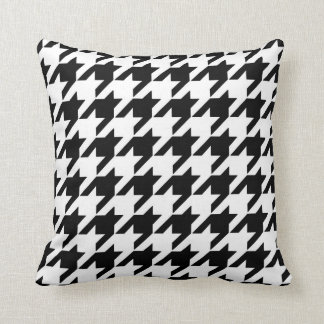 Houndstooth Pattern in Black and White Cushion