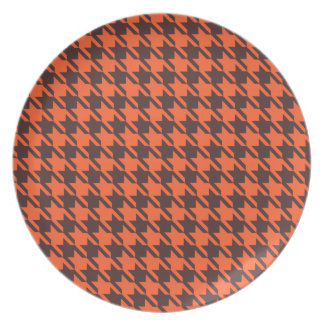 Houndstooth Pattern in Brown and Orange Plate