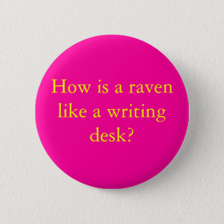 How is a raven 6 cm round badge