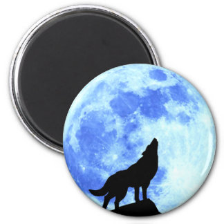Howling Wolf At The Full Moo, 2¼ Inch Round Magnet