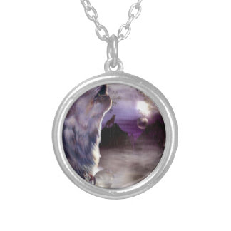 Howling Wolf Round Pendant Necklace