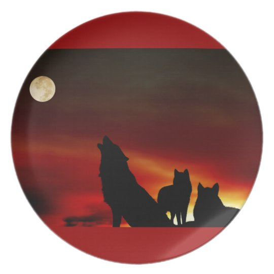 Howling Wolves Red Plate
