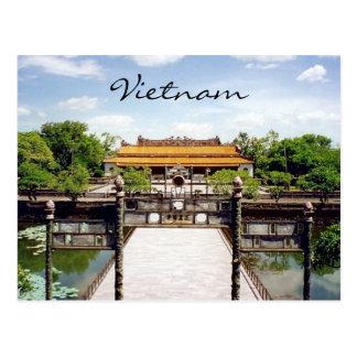 hue history postcard