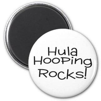 Hula Hooping Rocks 6 Cm Round Magnet