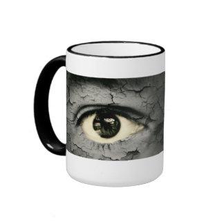 Human eye serrounded by Peeling skin Ringer Mug