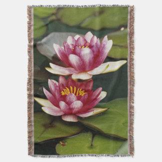 Hybrid water lilies throw blanket