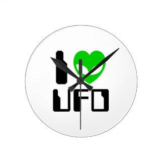 I Alien Heart UFO Round Clock