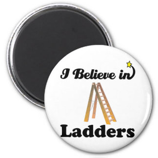 i believe in ladders 6 cm round magnet