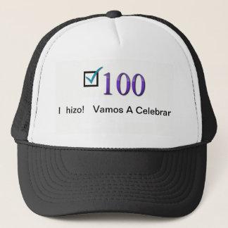I  hizo! Vamos a celebrar! Hat