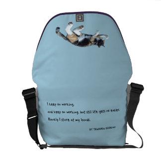 I keep ON working…(English edition) Messenger Bags