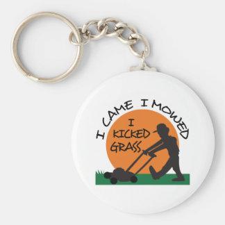 I KICKED GRASS BASIC ROUND BUTTON KEY RING
