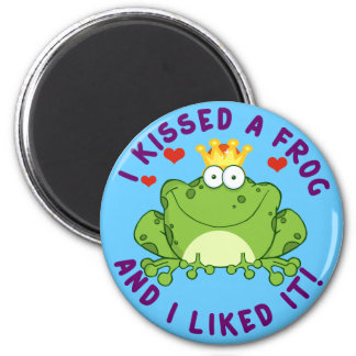 I Kissed a Frog on Valentine's Day 6 Cm Round Magnet
