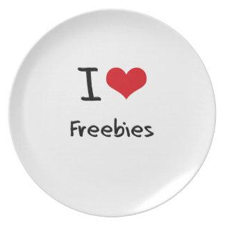 I Love Freebies Dinner Plate