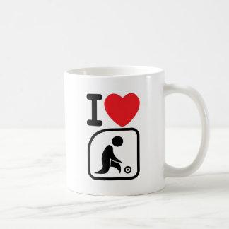 I love lawn bowls mug