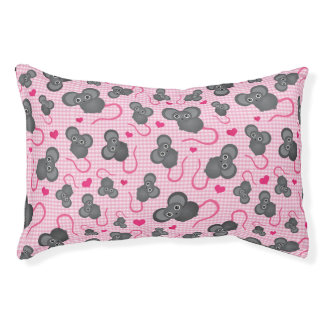 I love my mouse pattern in pink pet bed