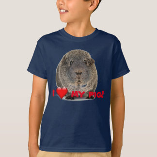 """I love my pig"" - guinea pig that is T-Shirt"