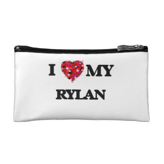 I love my Rylan Makeup Bag