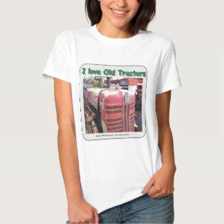 I love old International Harvester tractors Tee Shirt