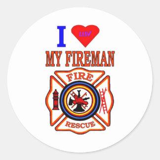 I LUY MY FIREMAN CLASSIC ROUND STICKER