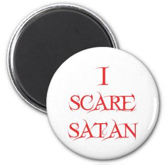 I Scare Satan 6 Cm Round Magnet
