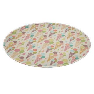 Ice cream cones pattern cutting board