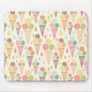 Ice cream cones pattern mouse pad