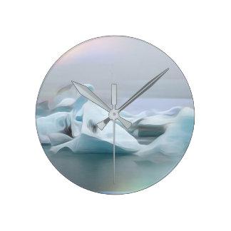 Icecones round clock