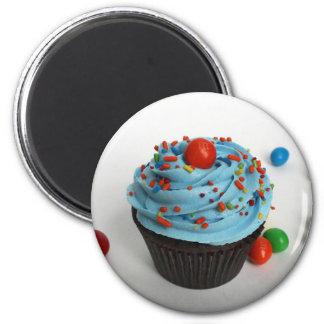 iced cupcake 6 cm round magnet