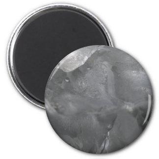 Icy Surprise 6 Cm Round Magnet