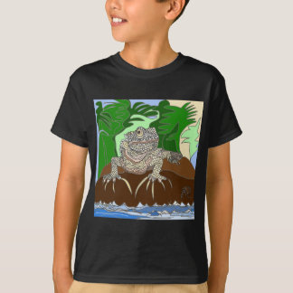 Iguana on a rock T-Shirt