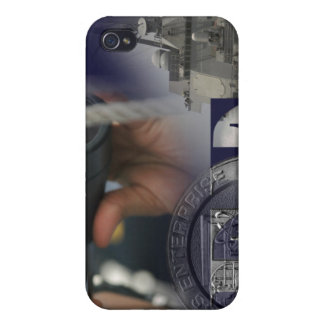 Illustration of crew members iPhone 4/4S case