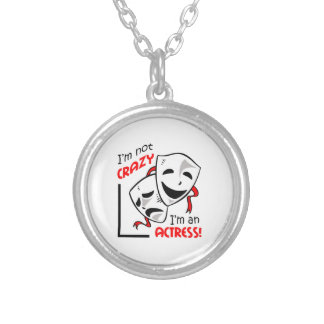 IM AN ACTRESS ROUND PENDANT NECKLACE