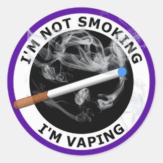 I'M NOT SMOKING I'M VAPING CLASSIC ROUND STICKER