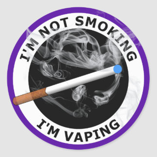 I'M NOT SMOKING I'M VAPING ROUND STICKER