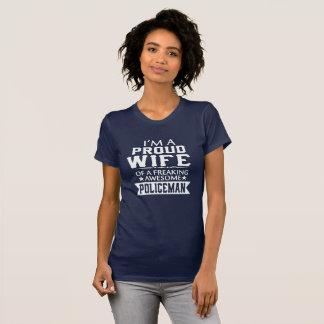 I'M PROUD POLICEMAN'S WIFE T-Shirt