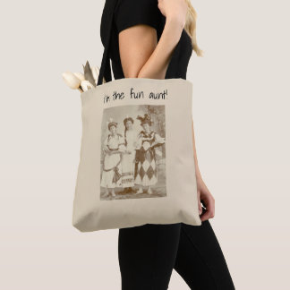 "I'm the ""fun aunt"" tote bag"