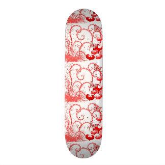 imagem com corações e borboletas custom skateboard