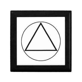 Images of number 3: the triangle small square gift box