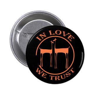 IN LOVE INCOMING GOODS TRUST - S08 6 CM ROUND BADGE