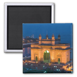 INDIA, Mumbai (Bombay): Gateway of India / Magnet