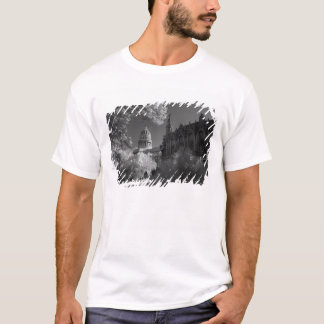 Infra red of Capitol building dome in Havana T-Shirt